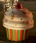 giant christmas cupcakes are everywhere!